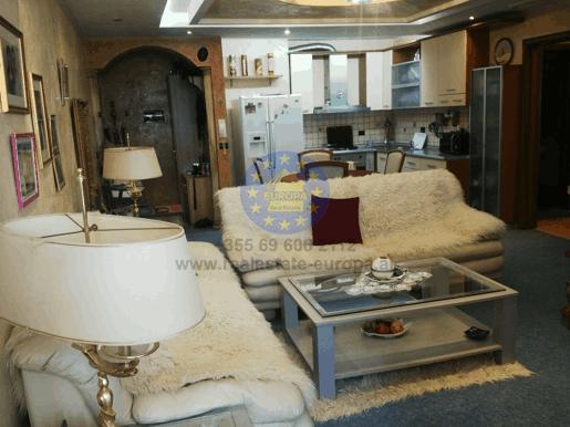 Satılık, Apartman 2+1, Komuna Parisit, Merdar Shtylla Sokağı , Tirana