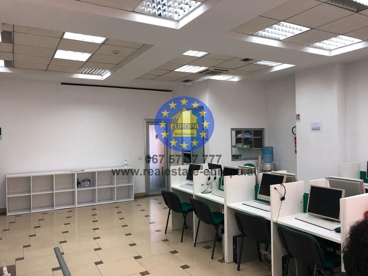 (Shqip) Qera,ID 271306,Ambjent,ish kinema 17 Nentori,Cmimi 450 Euro.