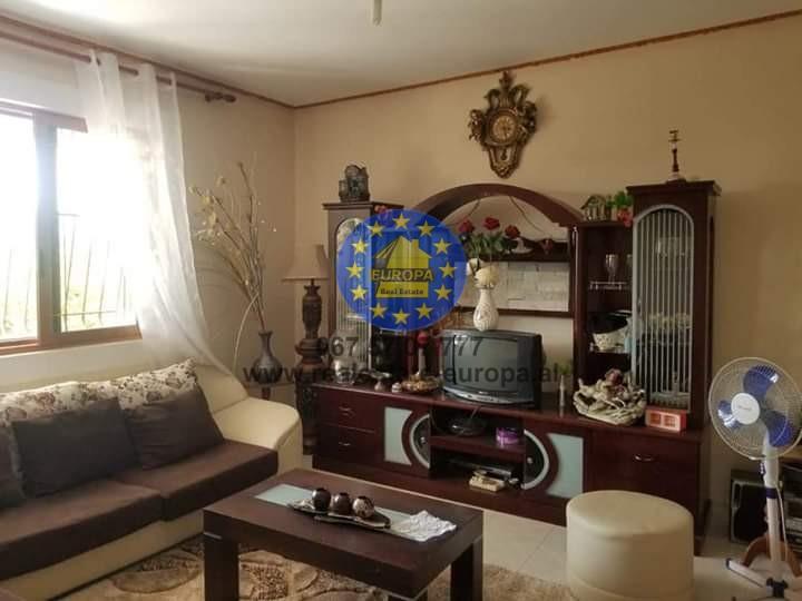 (Shqip) Qera,Vile,ID 251156,Kombinat,Cmimi 245 Euro.