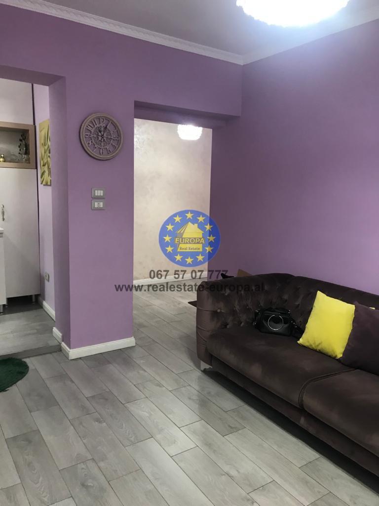 (Shqip) QERA Ap 1+1 ne Rrugen Myslym Shyri, Cmimi 300 Euro